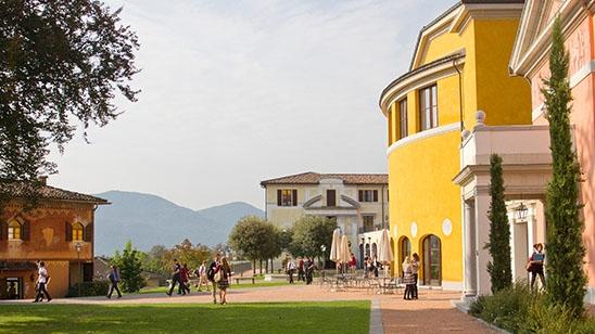 Internat Schweiz TASIS The American-School in Switzerland